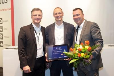 Bild: Preisverleihung auf der ISH. V.li.: Matthias Böcker, pds; Bernd Thrum, thrum und michalowski; Marcus Großbecker, Großbecker und Nordt.