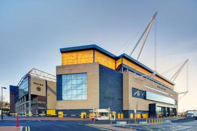 Die Verankerungselemente und Zugstabsysteme von Anker Schroeder kommen weltweit in Großbauwerken,  u.a. im Berliner Hauptbahnhof, dem Tagungszentrum der Hannover Messe oder der 1.500m langen Bosporus-Brücke in Istanbul, zum Einsatz (Bild: Wolverhampton Fußball-Stadion, UK).
