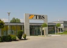 Die oberschwäbische Torbau Schwaben GmbH mit ihren knapp 100 Mitarbeitern ist mit über 150.000 Kunden einer der europaweit führenden Hersteller von Garagentoren.