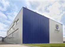 MEVACO verfügt mit seinem Werk in Schlierbach (s. Foto) über eine zentrale Produktion für den Direkt- und Partnerverkauf im gesamten europäischen Vertriebsgebiet.