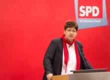 Micky Wenngatz, 58: SPD-Kandidatin 2018 für den Bayerischen Landtag im Stimmkreis München-Hadern und Bayerische Landesvorsitzende der Arbeitsgemeinschaft der sozialdemokratischen Frauen