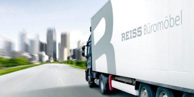 Die auftragsbezogene Fertigung erfolgt bei REISS heute nach Verladeplänen im Tagesrhythmus, so dass keine Lagerware entsteht und die Bestellware umgehend auf den Weg geht.