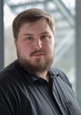 """""""Zusätzliche Zugriffssicherheit bietet eine Zwei-Faktor-Authentifizierung, z. B. mit Token bzw. Einmal-Passwort, per Smartcard oder mit Hilfe biometrischer Merkmale"""", so Niklas Lay, Teamleiter Netzwerk und IT-Security bei Netzlink."""